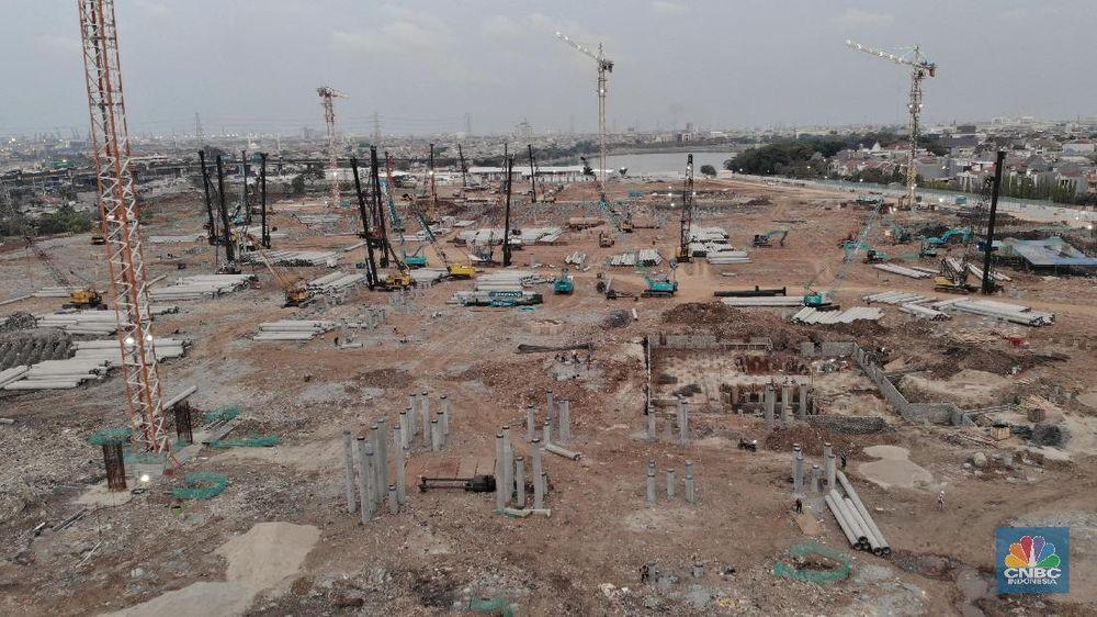 Nantinya, stadion megah bertaraf internasional itu akan memuat 82.000 penonton. (CNBC Indonesia/Andrean Kristianto)