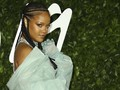 Rihanna Goda Fan Sebut Album Baru Sudah Rampung