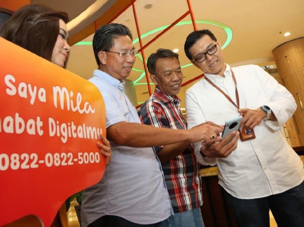 Direktur Utama Bank Mega Kostaman Thayib didampingi Direktur Operasional & IT C Guntur Triyudianto dan Digital Business Head Bank Mega Arief Tendeas menghadiri peluncuran layanan terbaru di bidang Digital Customer Service bernama MILA.