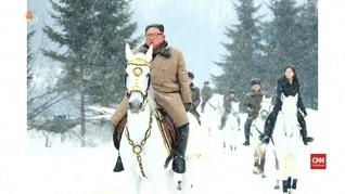 VIDEO: Makna di Balik Foto Berkuda Kim Jong-un
