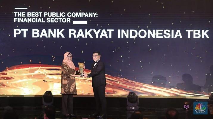 PT Bank Rakyat Indonesia Tbk (BBRI) meraih penghargaan sebagai The Best Public Company untuk Financial Sector dalam CNBC Indonesia Award 2019.