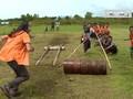 VIDEO: Lomba Dorong Tual Sagu di Tebing Tinggi Timur