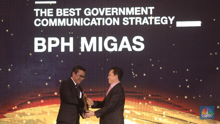 BPH Migas menerima penghargaan CNBC Indonesia Award 2019 untuk kategori Best Government Communication Strategy Award.