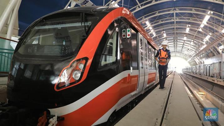 Top! LRT 'Made in Madiun' Tiba di Cibubur, Siap Uji Coba