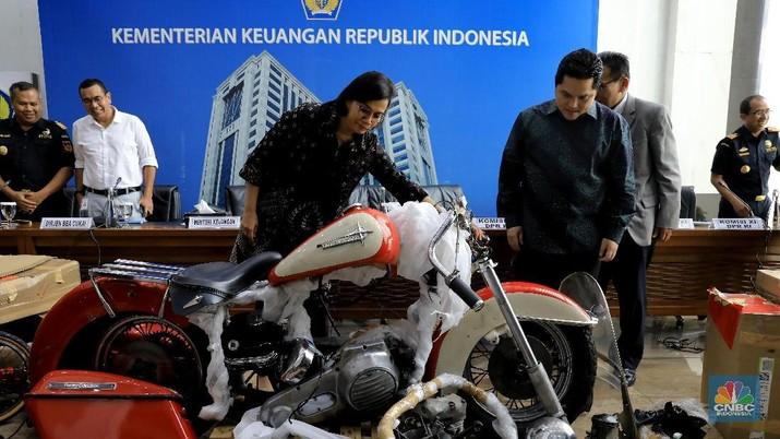 Erick ungkap bahwa motor Harley yang diselundupkan via Garuda merupakan milik AA atau Ari Askhara