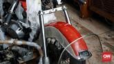 Keberadaan FLH Electra Glide Shovelhead disebut tidak sampai 50 unit di Indonesia. Status motor ini merupakan barang koleksi. (CNN Indonesia/Andry Novelino)