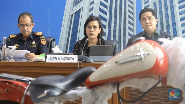 Menteri Badan Usaha Milik Negara (BUMN) Erick Thohir memberhentikan I Gusti Ngurah Askhara (Ari Askhara) sebagai Direktur Utama PT Garuda Indonesia