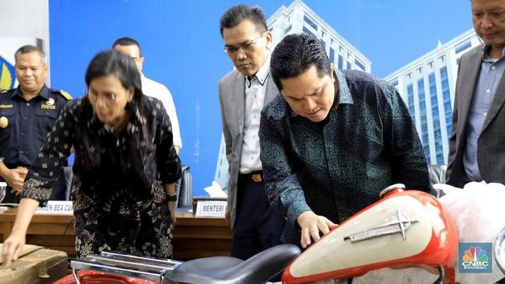 Menteri Erick Sedih, Skandal Dirut Libatkan Pegawai Garuda