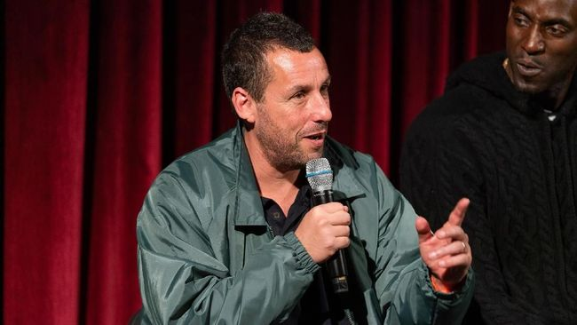 Adam Sandler Ancam Bikin Film Jelek Jika Tak Menang Oscar