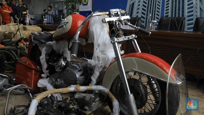 Harley dan Brompton Selundupan (CNBC Indonesia/Andrean Kristianto)