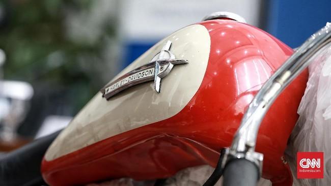 Electra Glide merupakan penamaan yang merujuk pada desain bodi touring alias motor untuk digunakan buat perjalanan jarak jauh. Sedangkan Shovelhead adalah nama generasi mesin yang digunakan pada 1966-1984, sebelumnya FLH memakai mesin Panhead. (CNN Indonesia/Andry Novelino)