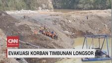 VIDEO: Evakuasi Korban Timbunan Longsor