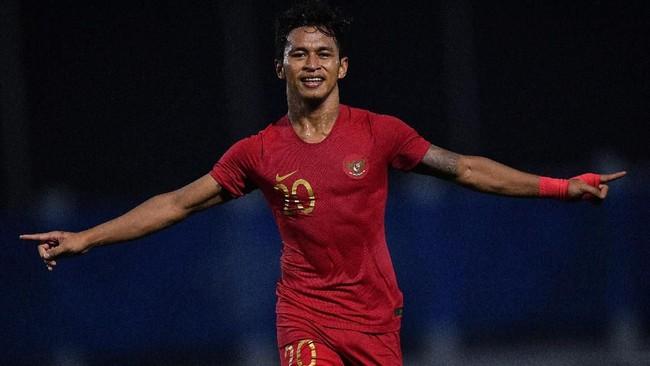 PenyerangTimnas Indonesia Osvaldo Haay melakukan selebrasi usai mencetak gol ke gawang Laos. Osvaldo Haay mengemas dua gol pada laga itu. (TARA FOTO/Sigid Kurniawan/wsj)