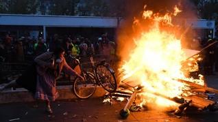 Presiden Prancis Terkepung di Teater, 59 Orang Ditangkap