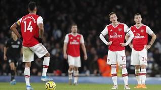 FOTO: Arsenal Semakin Terpuruk Usai Ditekuk Brighton