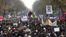 500 Ribu Warga Prancis Mogok Massal Tolak Kebijakan Macron
