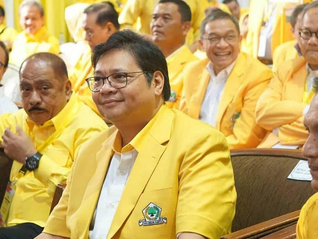 Airlangga Hartanto lahir di Surabaya, 1 Oktober 1962. Perjalanan karir di dunia politiknya sudah tak bisa diragukan. Airlangga pernah menjabat sebagai anggota DPR dan mengetuai berbagai lembaga pemerintahan. Foto: instagram @airlanggahartanto