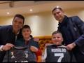 VIDEO: Buffon dan Ronaldo Bertemu Korban Gempa Albania
