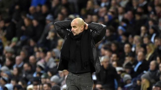 Kekalahan dari Manchester United membuat Manchester City baru mengoleksi 32 poin dari 16 laga Liga Inggris. Jumlah poin ini jadi yang terendah bagi manajer Pep Guardiola dari 16 pertandingan. (AP Photo/Rui Vieira)