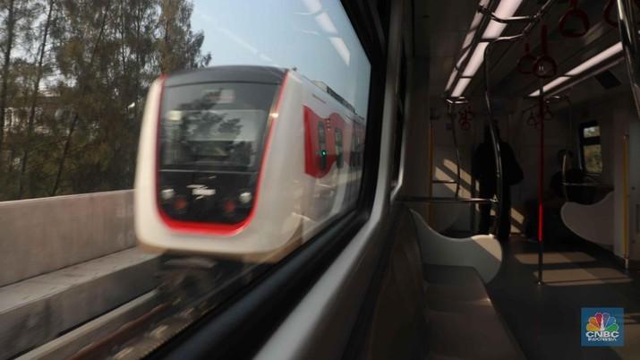 Duh! Penumpang LRT Jakarta Anjlok Sampai 40%, Kenapa?