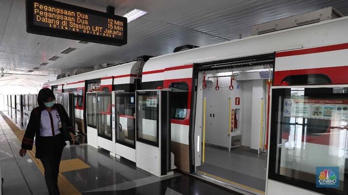 Tiru Jakarta, Khofifah Ingin Bangun LRT di Surabaya
