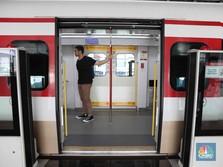Halo-Halo! Tahun Baru, Layanan LRT Bablas Sampai Pagi