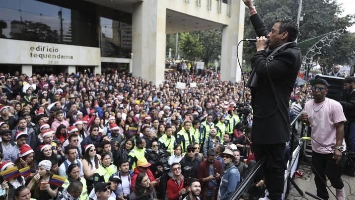 Mengintip Demonstrasi Unik di Kolombia