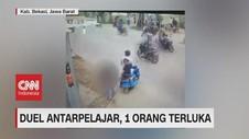 VIDEO: Duel Pakai Celurit, Tangan Pelajar Terluka Parah