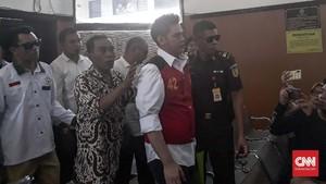 Jaksa Keluhkan Anggota Ormas Kawal Terdakwa 'Bau Ikan Asin'