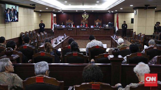 MK Tolak Gugatan Faldo Maldini soal Syarat Usia Kepala Daerah