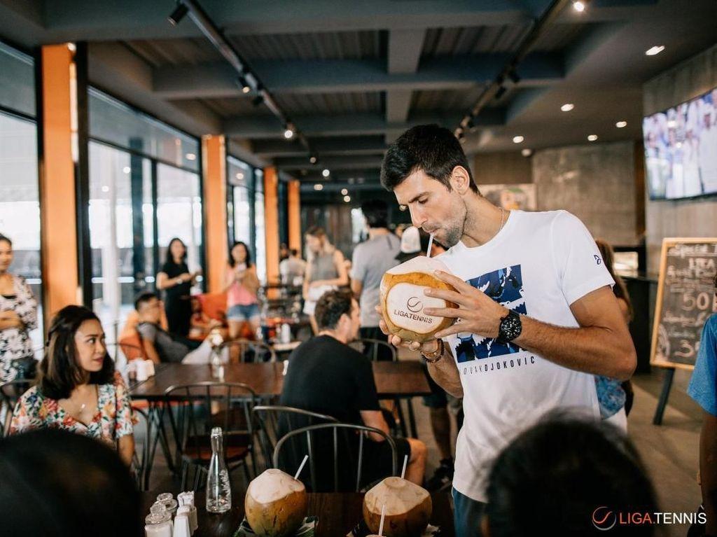 Ini merupakan kunjungan pertama Djokovic ke Indonesia dan mengaku menikmati Bali. Ia pun tak menutup kemungkinan untuk kembali. (Foto: Liga Tennis)