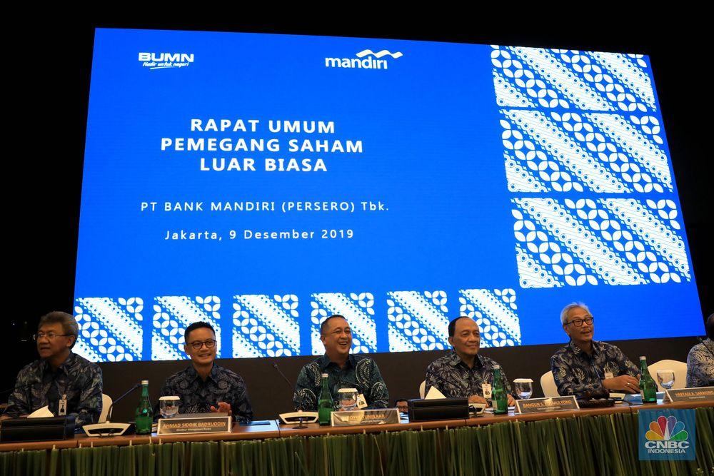 Rapat Umum Pemegang Saham Luar Biasa (RUPSLB) resmi mensahkan Royke Tumilaar jadi dirut.