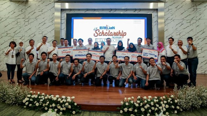 PT Bank Rakyat Indonesia (Persero) Tbk kembali meluncurkan program beasiswa untuk mahasiswa berprestasi.