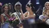 Karier modelnya dimulai pada 2017 lalu dengan mengikuti kompetisi Miss South Africa. Sayang, keberuntungan tak berpihak padanya. (Photo by VALERIE MACON / AFP)