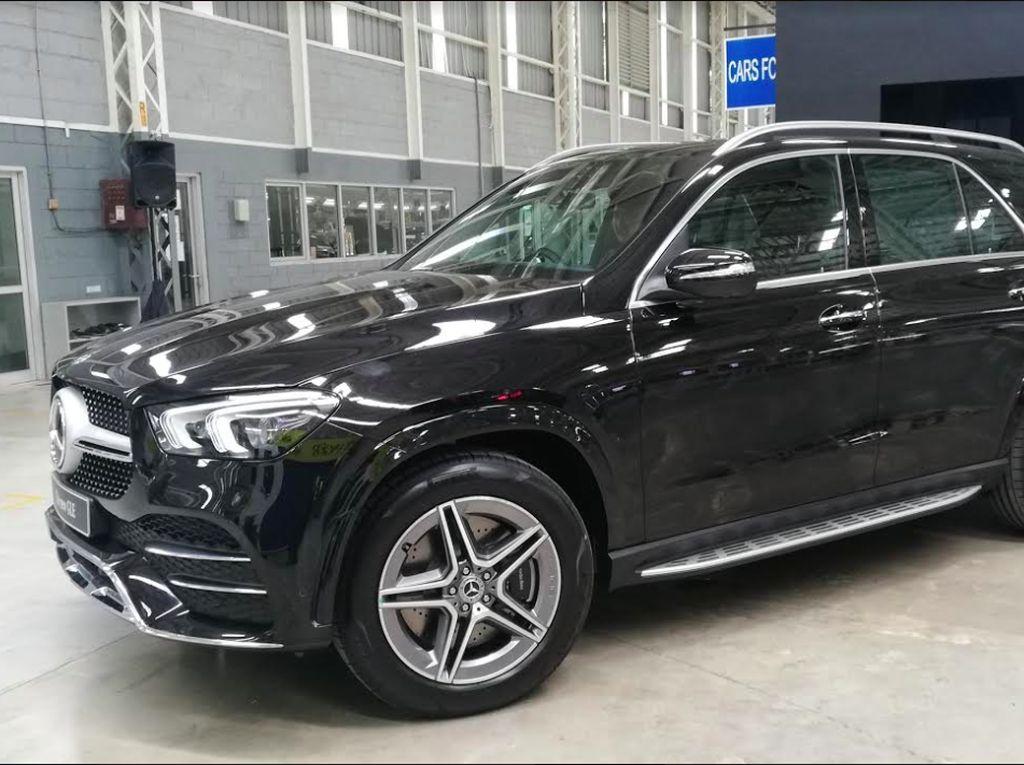 New GLE akan tersedia di dealer resmi Mercedes-Benz mulai kuartal pertama tahun 2020.