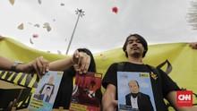 FOTO: 5000 Kartu Pos dan Surat Kasus HAM Berat untuk Jokowi