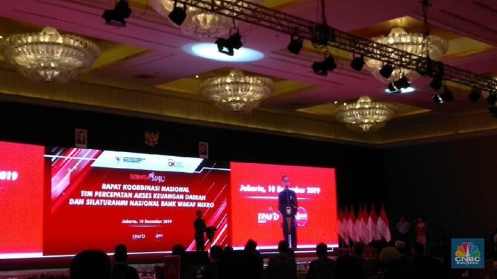 Jokowi Bangga! Kredit Macet Bank Wakaf Mikro Hingga KUR Kecil
