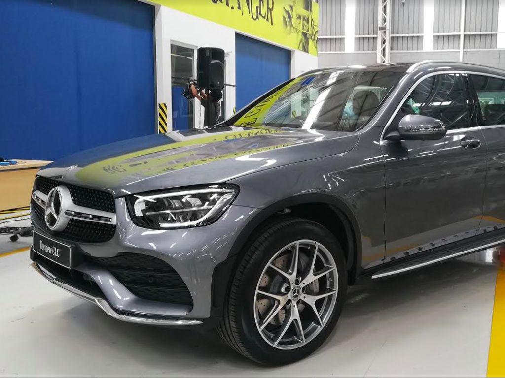 Sama seperti New GLE, New GLC juga akan tersedia di dealer resmi Mercedes-Benz mulai kuartal pertama tahun 2020.