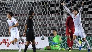 Unggul 3-0 atas Indonesia, Pelatih Vietnam Kena Kartu Merah