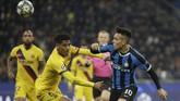 Pelatih Barcelona Ernesto Valverde memberi kesempatan kepada sejumlah pemain cadangan saat melawan Inter Milan, termasuk Jean-Clair Todibo. (AP Photo/Luca Bruno)