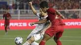 Timnas Indonesia lebih banyak menguasai bola pada laga final ketika menghadapi Vietnam. Namun permainan tanpa bola The Golden Star membuat tim Merah Putih kesulitan menembus pertahanan. (AP Photo/Aaron Favila)