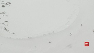 VIDEO: Pemindahan Gletser Perluas Area Ski di Austria