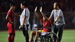 FOTO: Lara Evan Dimas di Kursi Roda Usai Final SEA Games 2019