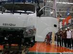 Isuzu Kurangi Kegiatan Produksi Mobil