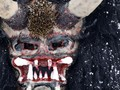 FOTO: Kala 'Setan' Mengiring 'Santo Nikolas' Jelang Natal