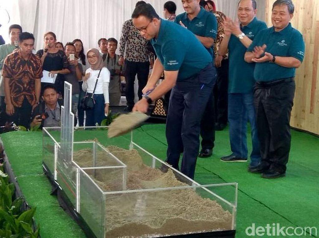 Tuang Pasir, Anies Resmikan Proyek Rumah DP Rp 0 Jilid II