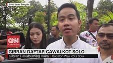 VIDEO: Diantar Istri & Ibunda, Gibran Daftar Cawalkot Solo