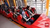 Wahana Boomerang Challenge berupa rollercoaster dengan tinggi menjulang ke langit Pulau Dewata. (CNNIndonesia/Safir Makki)