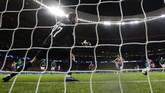 Atletico Madrid menjadi klub terakhir yang memastikan tempat di babak 16 besar. Penalti Joao Felix membuka kemenangan Atleti atas Lokomotiv Moskow di Stadion Wanda Metropolitano.(AP Photo/Manu Fernandez)