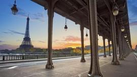 5 Cara Unik Menikmati Pemandangan Menara Eiffel